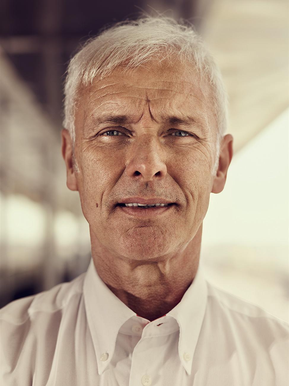 ©ankeluckmann1453v, Bahrain; Circuit; GQ; Pit lane; Porsche; Race Track; Transportation; WEC; 6 hours Bahrain; Portrait; Matthias Mueller; CEO, anke luckmann, www.ankeluckmann.com, kai tietz, racing