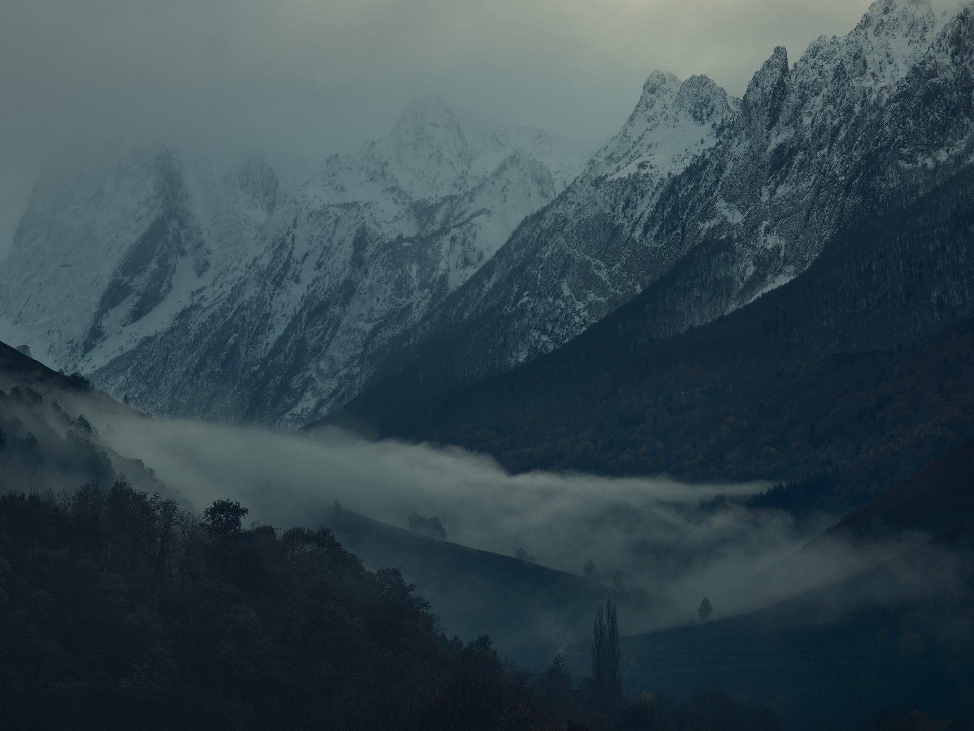 pyrenees, landscape, france, spain, anke luckmann, mountains, www.ankeluckmann.com, snow