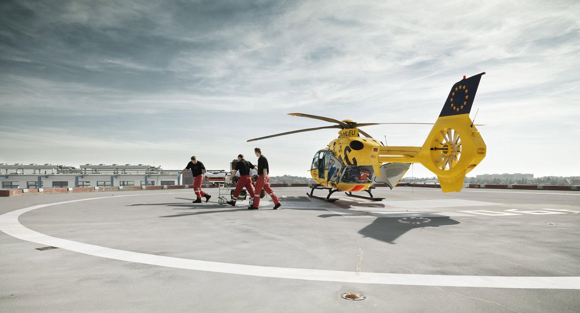 gelbe engel, adac, luftrettung, rescue, helicopter, Germany, anke luckmann, www.ankeluckmann.com, kai tietz, reportage, editorial