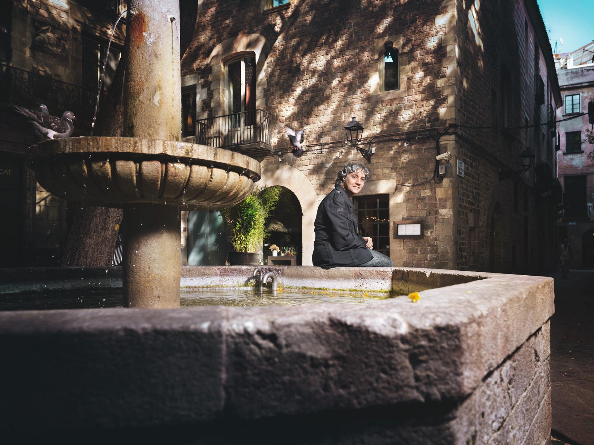 seat, book, barcelona, people, anke luckmann, www.ankeluckmann.com